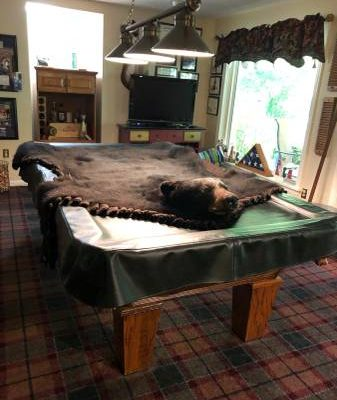 8' Pool Table, Lamp, Cue Rack with Cues