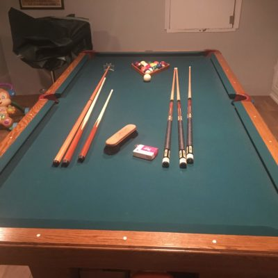 8 foot oak Italian slate pool table, Great Condition, Complete Set